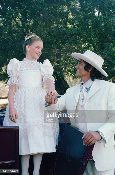 PRAIRIE 'At the End of the Rainbow' Episode 10 Aired Pictured Melissa Gilbert as Laura Ingalls Wilder Michael Landon as Charles Philip Ingalls Photo...