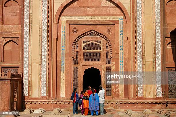 at the entrance - agra jama masjid mosque stock pictures, royalty-free photos & images