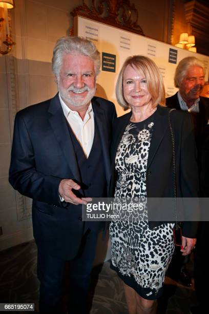 """At the evening gala for the first edition of the """"Les Stéthos d'Or"""" awards for the benefit of the Foundation for Research in Physiology, Roland..."""