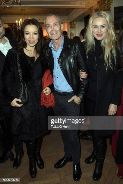 at the evening gala for the opening the Cafe Pouchkine le top model Ilona JeanClaude Jitrois and Vlada Krassilnikova are photographed for Paris Match...