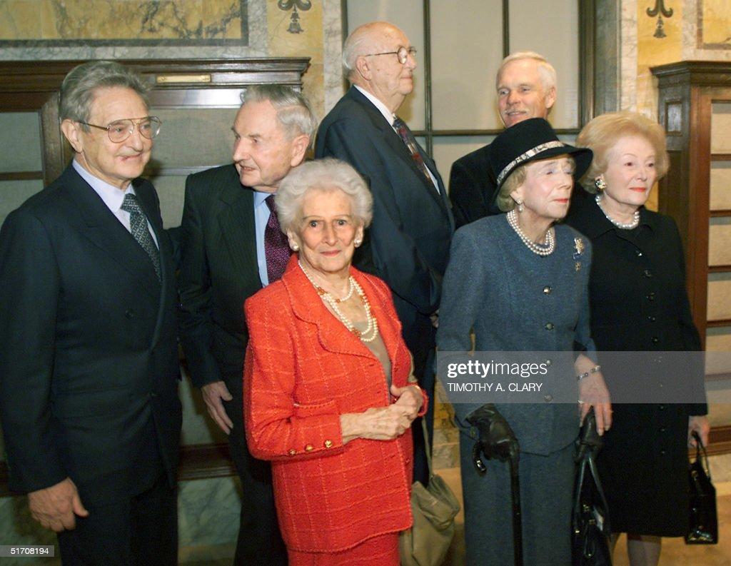 At the first Andrew Carnegie Medals of Philanthrop : Nachrichtenfoto