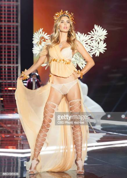 'THE VICTORIA'S SECRET FASHION SHOW' IN SHANGHAI CHINA FOR THE FIRST TIME at the MercedesBenz Arena Broadcasting TUESDAY NOV 28 ON CBS Pictured Megan...