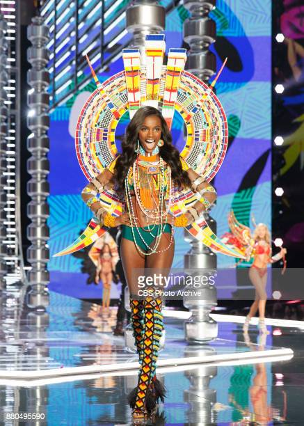 'THE VICTORIA'S SECRET FASHION SHOW' IN SHANGHAI CHINA FOR THE FIRST TIME at the MercedesBenz Arena Broadcasting TUESDAY NOV 28 ON CBS Pictured Leomi...