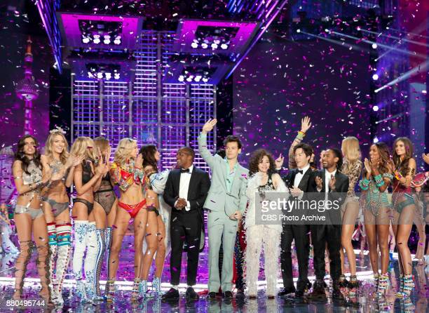 'THE VICTORIA'S SECRET FASHION SHOW' IN SHANGHAI CHINA FOR THE FIRST TIME at the MercedesBenz Arena Broadcasting TUESDAY NOV 28 ON CBS Pictured L to...