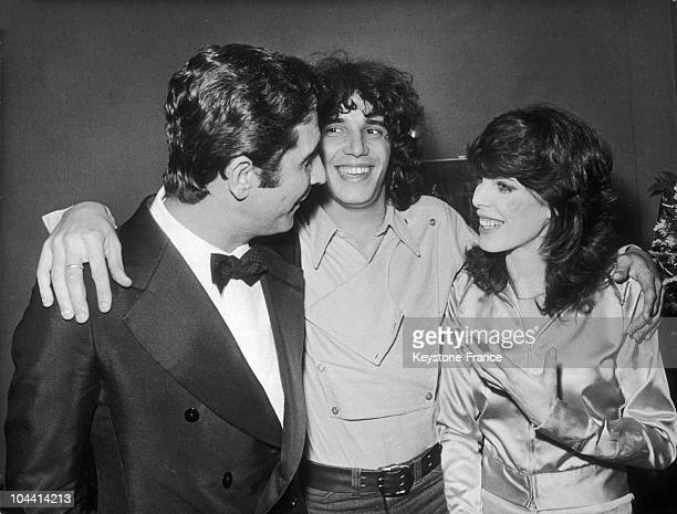 At the Olympia in Paris the singer Julien CLERC was congratulated by Gilbert BECAUD and DANI at the close of his concert It was in fact his 1st time...