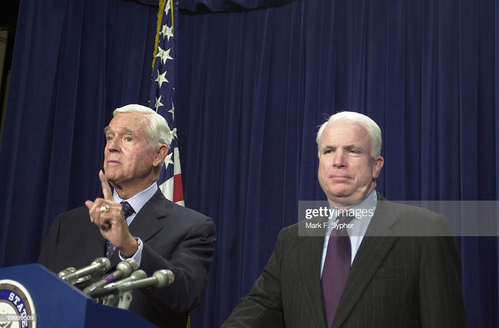 At the Senate Radio and T.V. gallery on Thursday, Senator Ernest F. Hollings (D-SC) and Senator John McCain (R-AZ) encourage the press to keep the government and FCC in check, in the growing war over airspace.