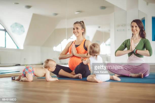 Au cours d'yoga
