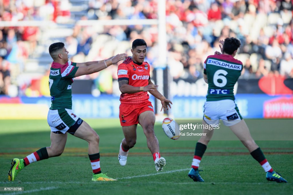 Ata Hingano of Tonga kicks the ball during the 2017 Rugby League World Cup Quarter Final match between Tonga and Lebanon at AMI Stadium on November 18, 2017 in Christchurch, New Zealand.