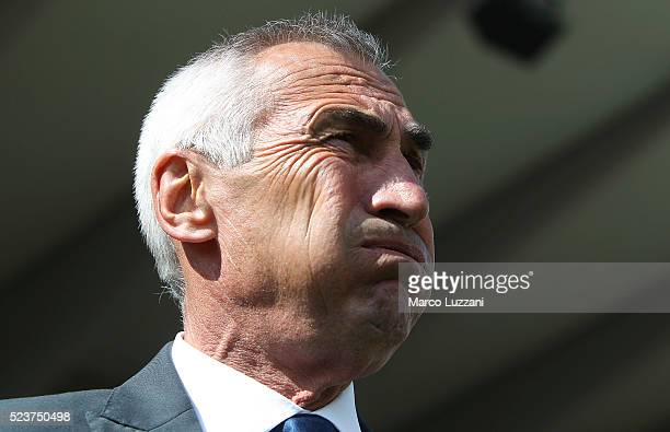 Atalanta BC coach Edy Reja looks on before the Serie A match between Atalanta BC and AC Chievo Verona at Stadio Atleti Azzurri d'Italia on April 24...