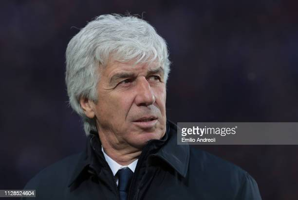 Atalanta BC coach Gian Piero Gasperini looks on during the Serie A match between Atalanta BC and ACF Fiorentina at Stadio Atleti Azzurri d'Italia on...