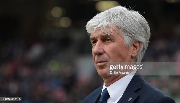 Atalanta BC coach Gian Piero Gasperini looks on during the Serie A match between FC Internazionale and Atalanta BC at Stadio Giuseppe Meazza on April...