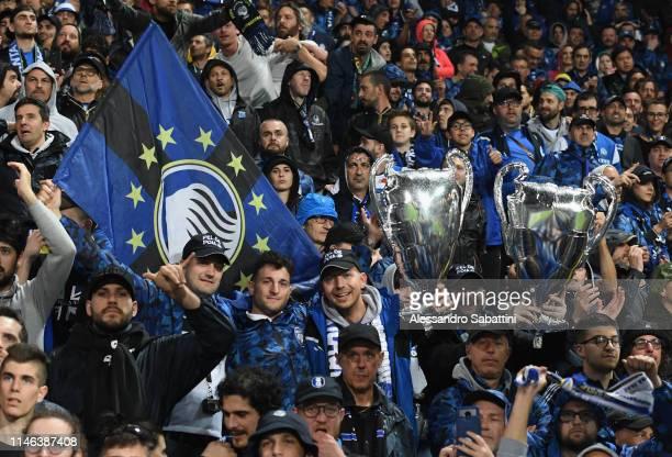 Atalanta BC fans during the Serie A match between Atalanta BC and US Sassuolo at Mapei Stadium Citta del Tricolore on May 26 2019 in Reggio...