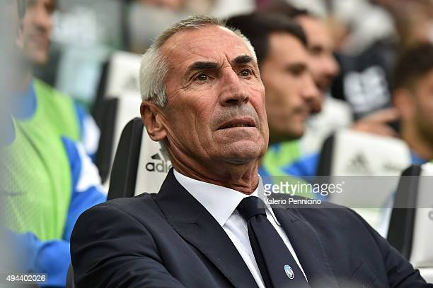 Atalanta BC head coach Edoardo Reja looks on during the Serie A match between Juventus FC and Atalanta BC at Juventus Arena on October 25 2015 in...