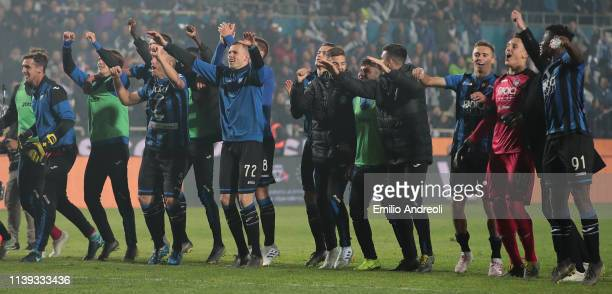 Atalanta BC players celebrate the victory at the end of the TIM Cup match between Atalanta BC and ACF Fiorentina at Stadio Atleti Azzurri d'Italia on...