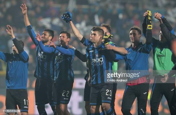 Atalanta BC players celebrate the victory at the end of the TIM Cup match between Atalanta BC and ACF Fiorentina at Stadio Atleti Azzurri d'Italia on...