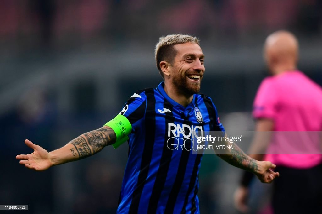Atalanta's Argentinian forward Papu Gomez celebrates after scoring ...