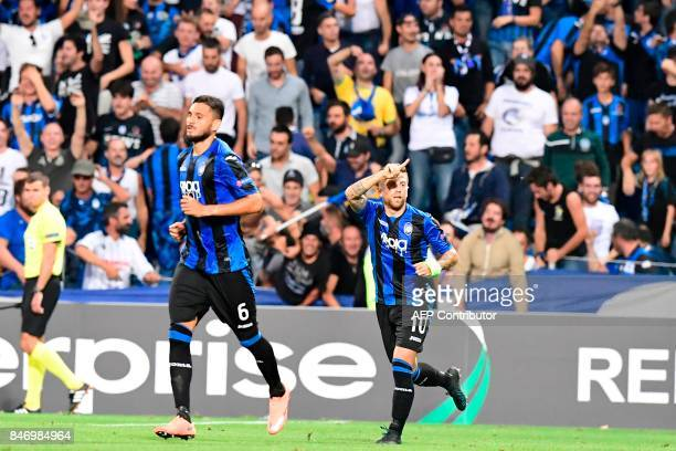 Atalanta's Argentinian midfielder Alejandro Gomez celebrates after scoring his team's second goal during the UEFA Europa League Group E football...