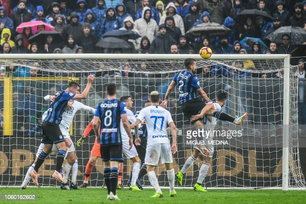 Atalanta's Brazilian defender Rafael Toloi goes for a header during the Italian Serie A football match Atalanta Bergamo v Inter Milan at the Atleti...