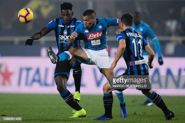 Atalanta's Colombian forward Duvan Zapata vies for the ball with Napoli's Brazilian midfielder Allan during the Italian Serie A football match...