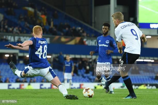 Atalanta's Danish striker Andreas Cornelius scores the team's fourth goal during the UEFA Europa League Group E football match between Everton and...