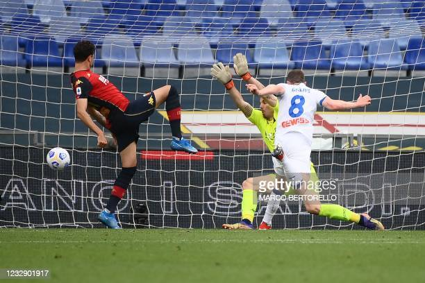 Atalanta's German defender Robin Gosens scores the third goal during the Italian Serie A football match Genoa vs Atalanta Bergamo on May 15, 2021 at...