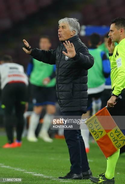 STADIUM NAPLES CAMPANIA ITALY Atalanta's Italian coach Gian Piero Gasperini gestures during the Italian Serie A football match SSC Napoli vs Atalanta...