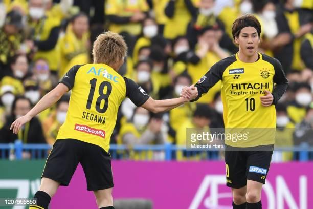 Ataru Esaka of Kashiwa Reysol celebrates the first goal during the JLeague MEIJI YASUDA J1 match between Kashiwa Reysol and Consadole Sapporo at...