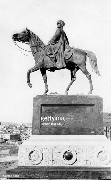 Atatuerk Mustafa Kemal Pascha Politician General Turkey*19051881President of Turkey 19231938 Equestrian statue in Angora 1928Vintage property of...