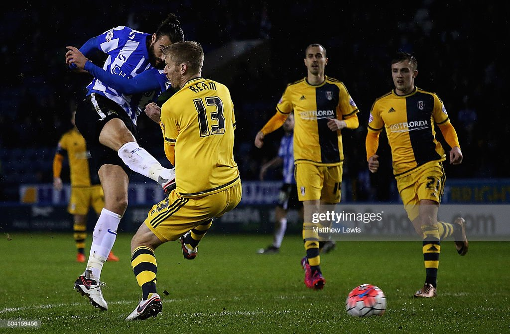 Atdhe Nuhiu of Sheffield Wednesday scores a goal during The Emirates FA Cup Third Round match betwen Sheffield Wednesday and Fulham at Hillsborough Stadium on January 9, 2016 in Sheffield, England.