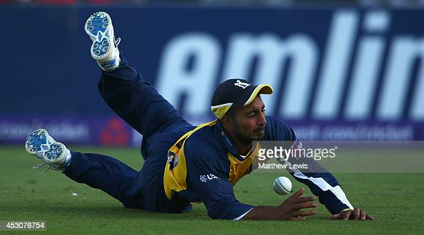 Ateeq Javid of Warwickshire drops a shot from Jesse Ryder of Essex Eagles during the Natwest T20 Blast Quarter Final match between Essex Eagles and...