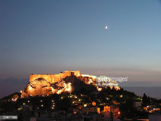 athens - akropolis bei nacht acropolis at night - nacht stock pictures, royalty-free photos & images