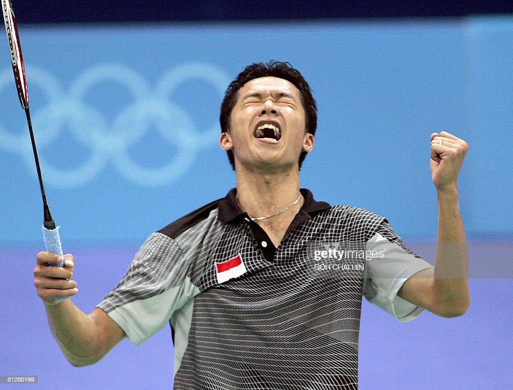 Indonesia's Taufik Hidayat celebrates after beating South ...