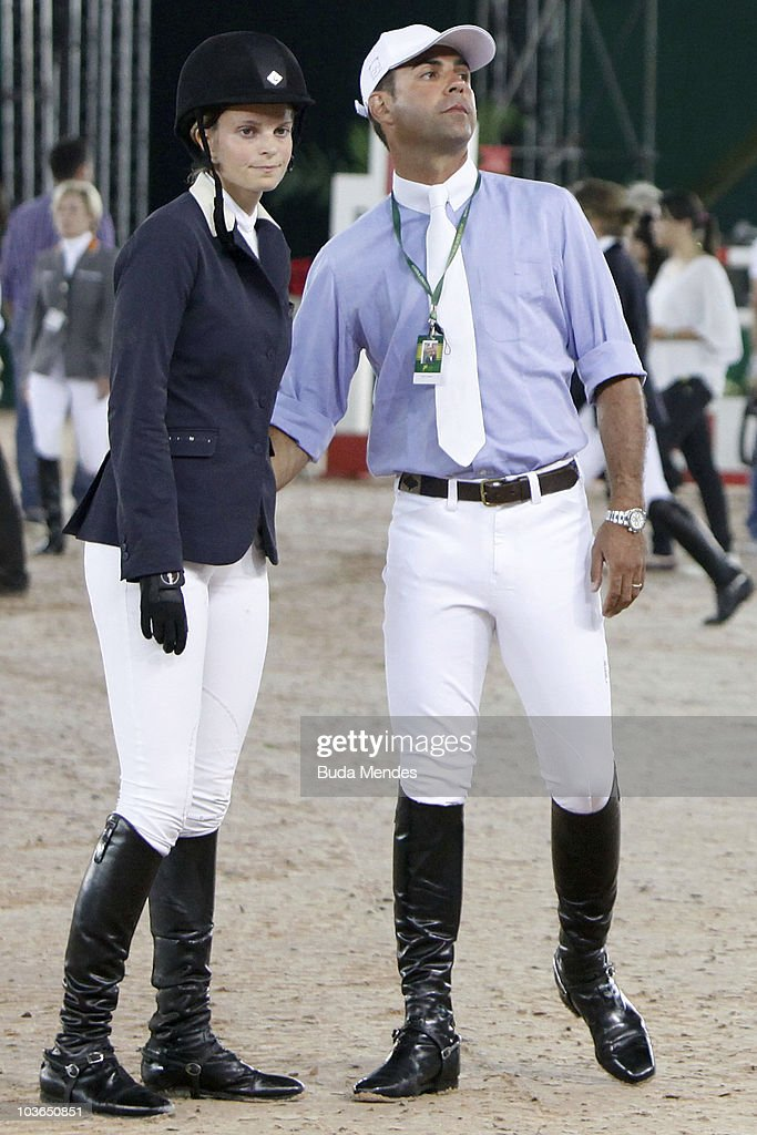 Athina Onassis and Doda Mirand...