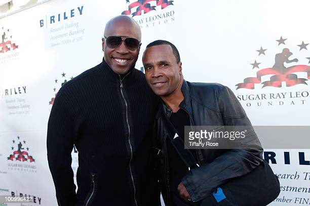 Athlete Barry Bonds and Sugar Ray Leonard attend the Sugar Ray Leonard Foundation's Big Fighters Big Cause charity event at the Santa Monica Pier on...