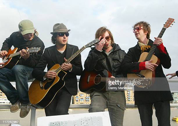 Athlete, Carl Barat and Supergrass during Crisis - Celebrity Busk - November 15, 2006 at South Bank in London, Great Britain.