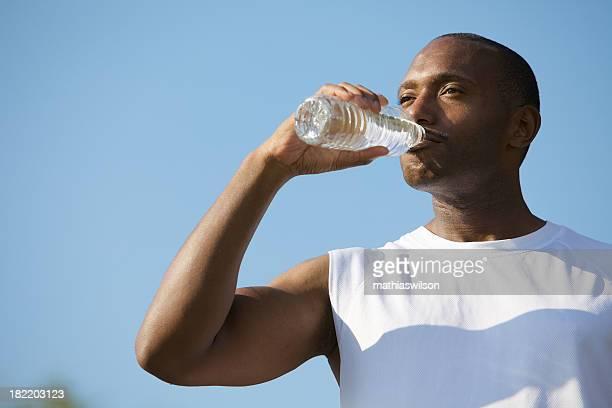 Sportlerin Trinkwasser