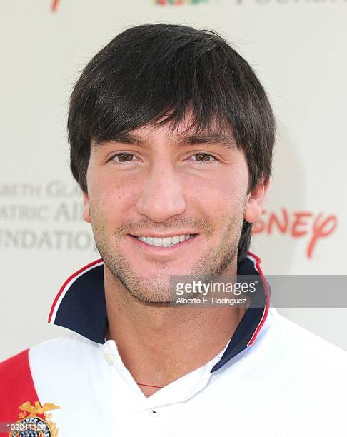Athlete Evan Lysacek arrives at the 21st A Time For Heroes Celebrity Picnic sponsored by Disney to benefit the Elizabeth Glaser Pediatric Aids...