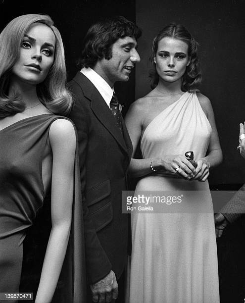 Athlete Joe Namath and actress Margaux Heminway attend the press conference for Babe on November 17 1975 at Cecil's in New York City