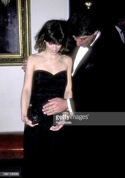 Athlete Joe Namath and wife Deborah Mays attend a Dinner Honoring the President of Algeria Hosted by President Ronald Reagan and Nancy Reagan on...