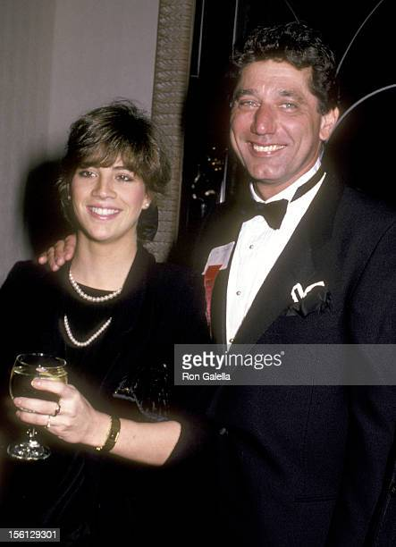 Athlete Joe Namath and wife Deborah Mays attend the 10th Annual All Sports Hall of Fame Dinner on October 23 1985 at WaldorfAstoria Hotel in New York...