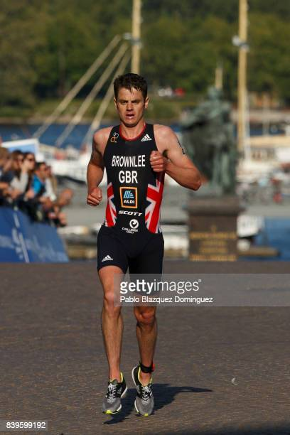 Athlete Jonathan Brownlee from Great Britain competes on the run leg during the men's Elite race of Vattenfall World Triathlon Stockholm on August 26...