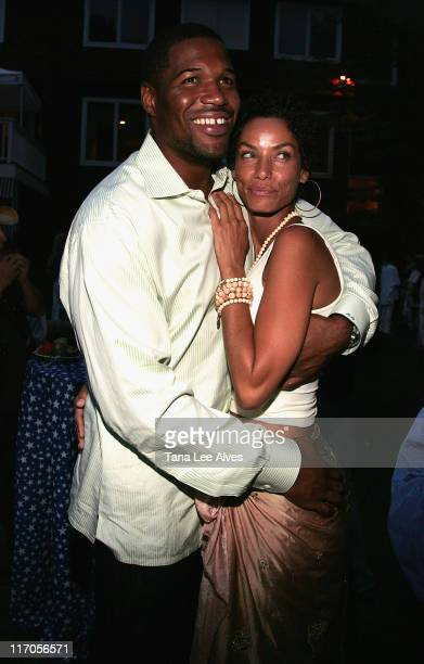 Athlete Michael Strahan and media personality Nicole Murphy attend Bobby and Jill Zarin`s Annual Fourth of July Party July 4 2008 in Sag Harbor New...