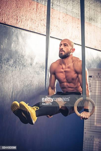 Sportler auf dem Fitnessstudio-ring