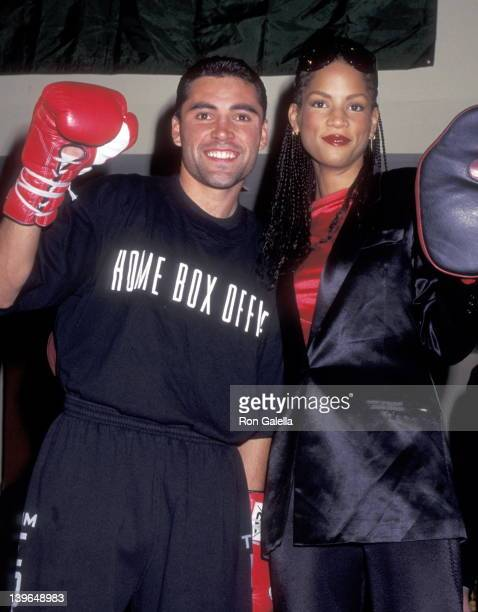 Athlete Oscar De La Hoya and Model Veronica Webb attend the Oscar De La Hoya PreFight Public Workout Session on December 12 1995 at the Official...