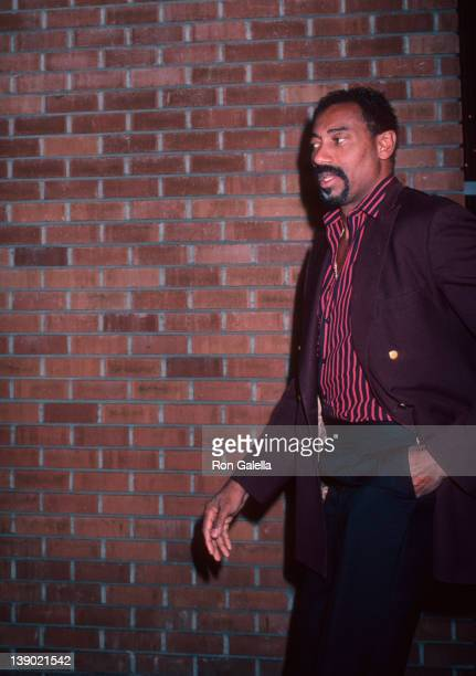 Athlete Wilt Chamberlain attends the premiere of 'The Falcon And The Snowman' on January 16 1985 at the Director's Guild Theater in Hollywood...