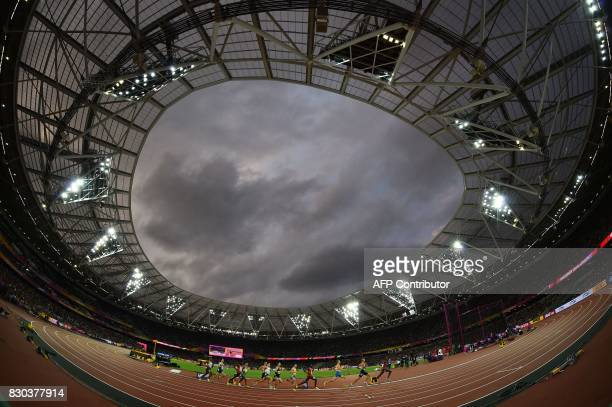 Athletes compete in the semi-final of the men's 1500m athletics event at the 2017 IAAF World Championships at the London Stadium in London on August...