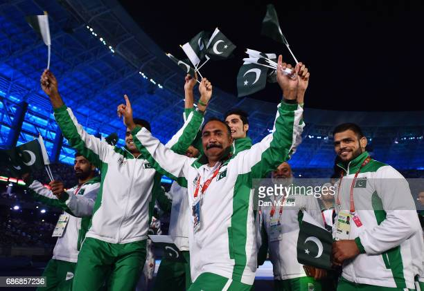 Athletes from Pakistan make their way into the stadium during the closing ceremony of Baku 2017 4th Islamic Solidarity Games at the Olympic Stadium...