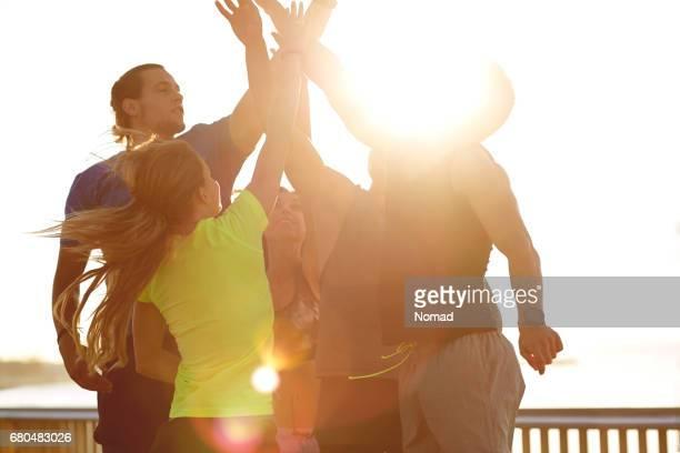 Power alto atletas después de entrenamiento exitoso