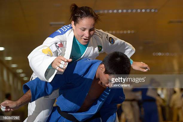 Athletes in action during the first official training season of the team who will represent Brazil in the Olympic Games Rio 2016 at Maria Lenk...
