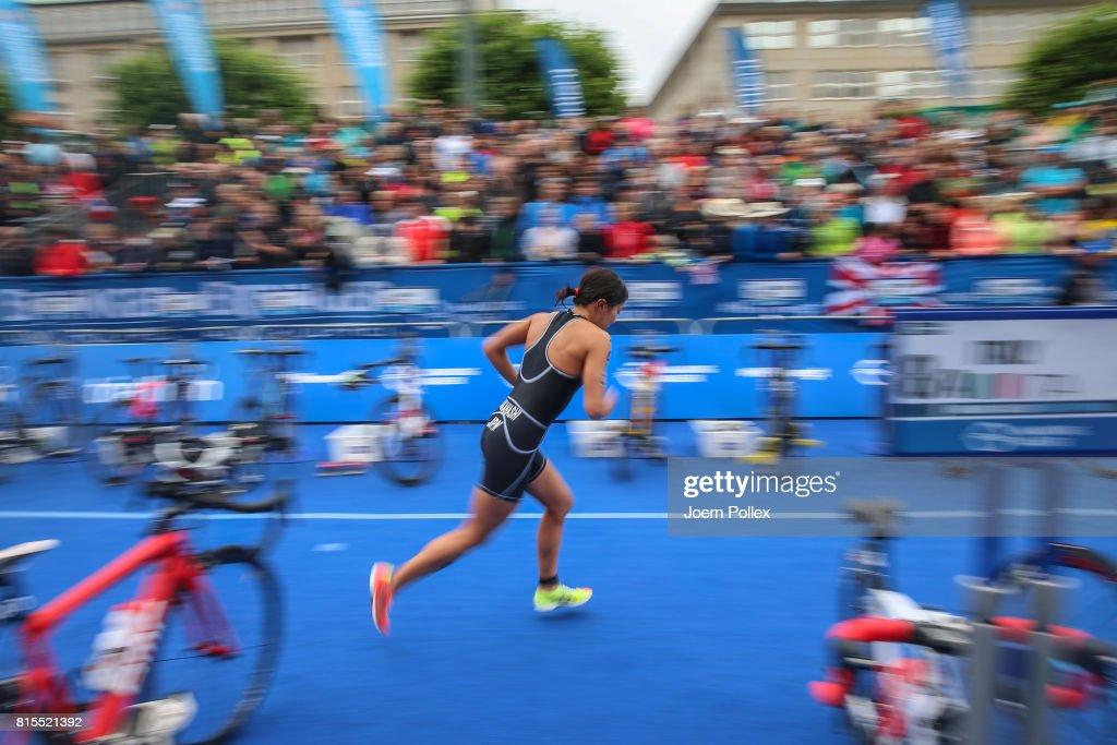 Athletes perform during the elite mixed relay race at the Hamburg Wasser ITU World Triathlon Championships 2017 on July 16, 2017 in Hamburg, Germany.